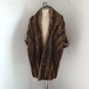 Jackets & Blazers - Vintage mink stole brown fur capelet wrap poncho